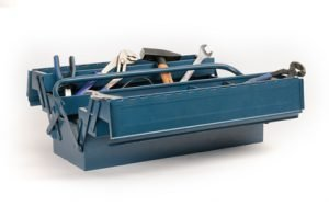 Der Werkzeugkoffer klemmt – was tun?